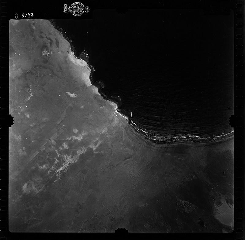 Fotografía aérea de la Caleta de Famara en 1955 III