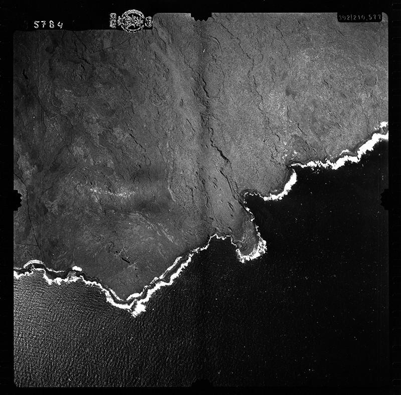Fotografía aérea del Malpaís de la Corona en 1954 III