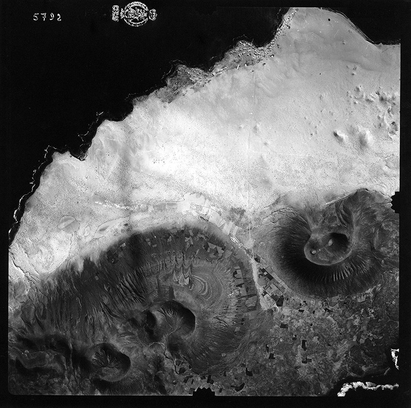 Fotografía aérea de Caleta de Sebo en 1954 III