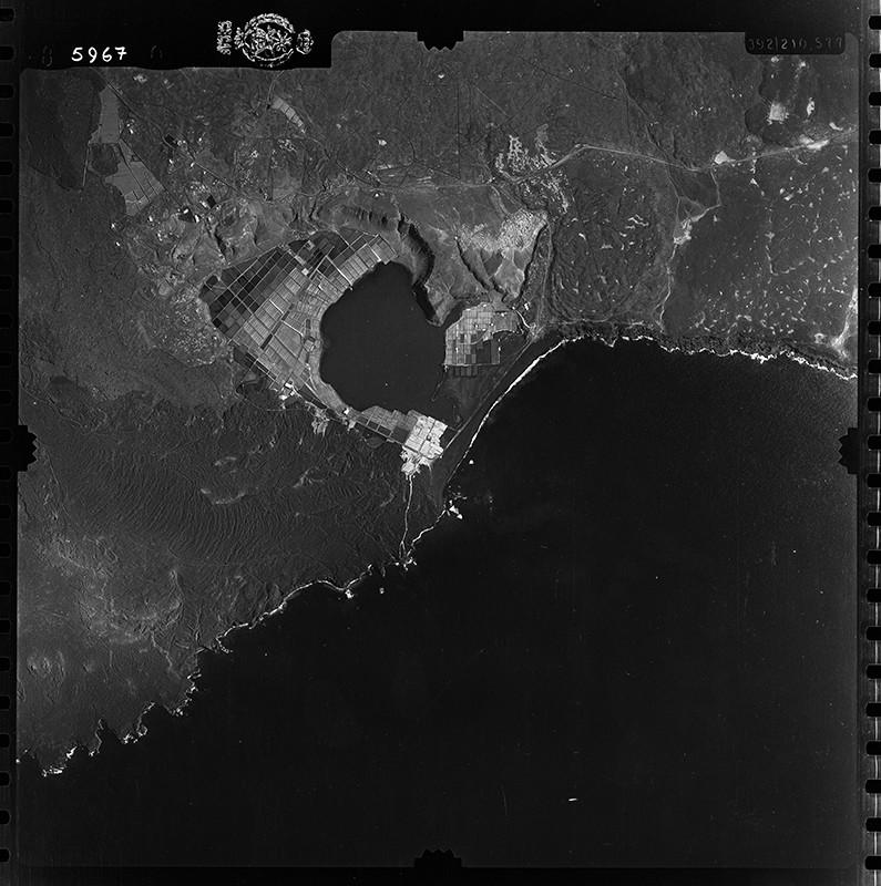 Fotografía aérea de las Salinas de Janubio en 1954 I