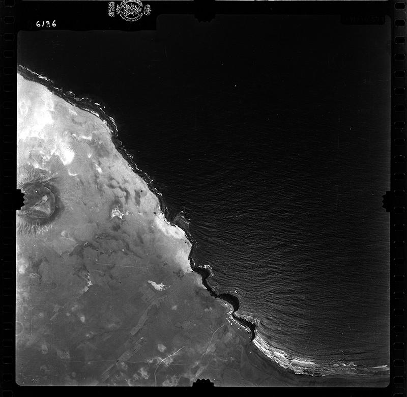 Fotografía aérea de la Caleta de Famara en 1955 I