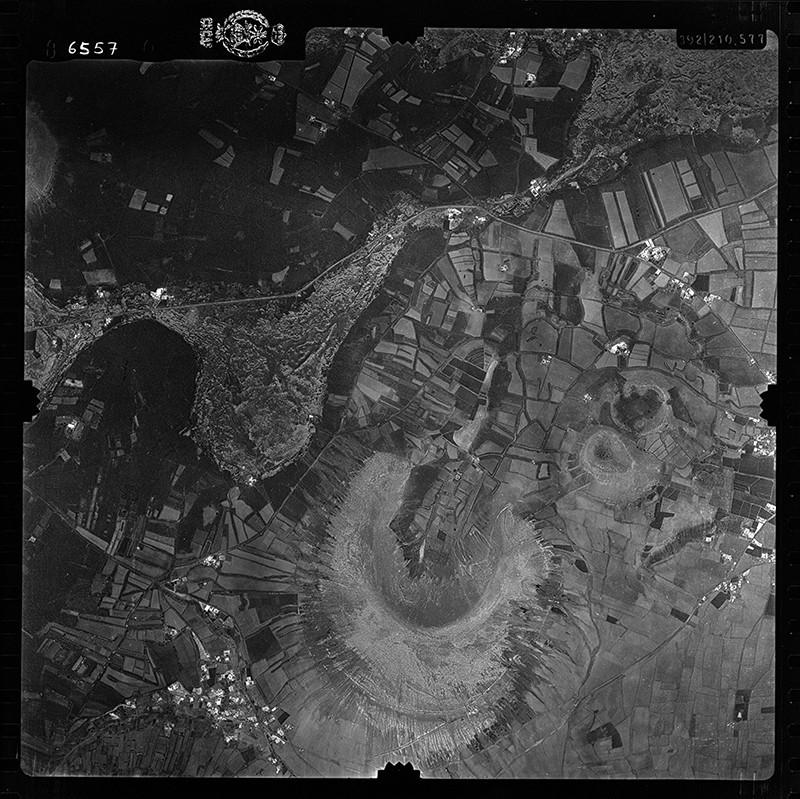 Fotografía aérea de Montaña Blanca en 1956 III