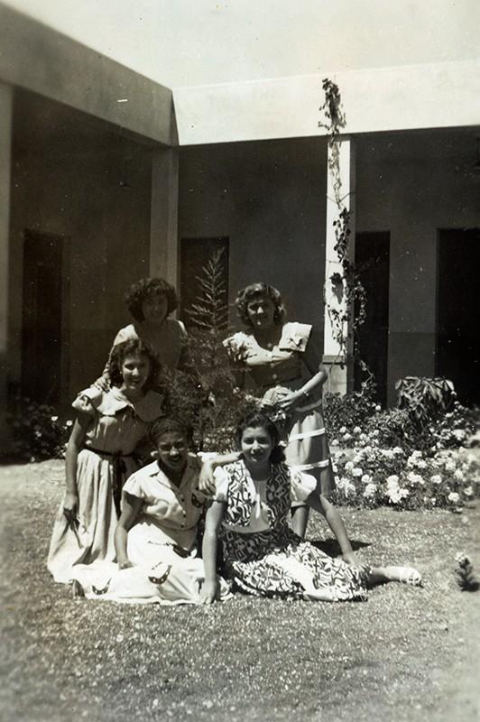 Estudiantes en el instituto Agustín Espinosa