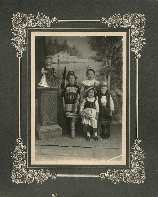 Niños disfrazados IV