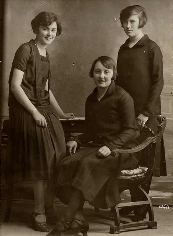 Jóvenes de la familia Matallana-Cabrera