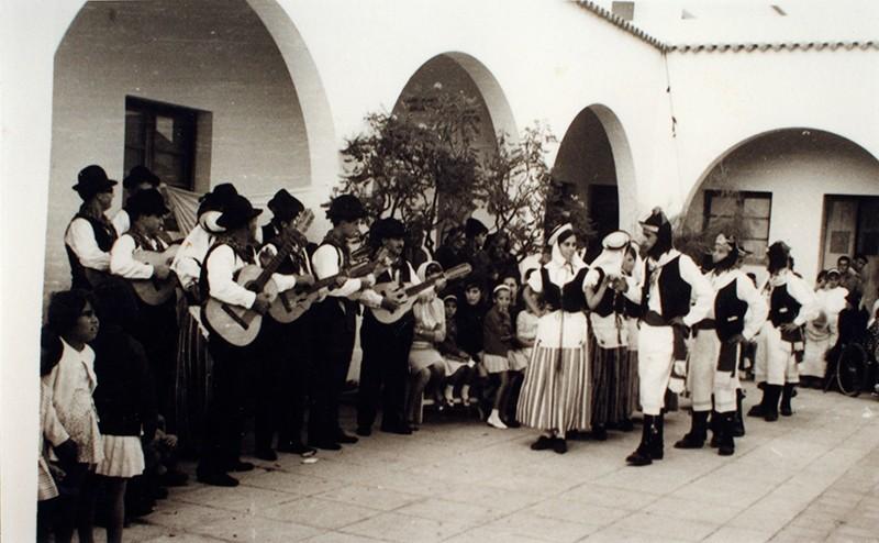 Folklore en el Hospital Insular I