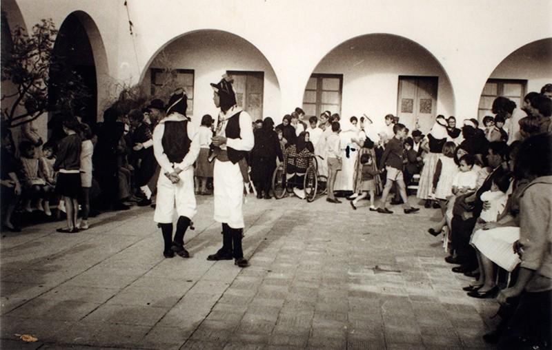 Folklore en el Hospital Insular II