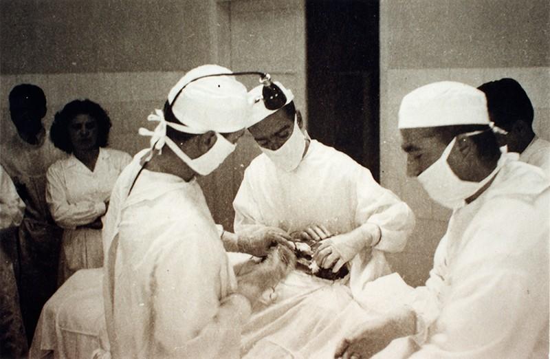 Operando en el Hospital Insular II
