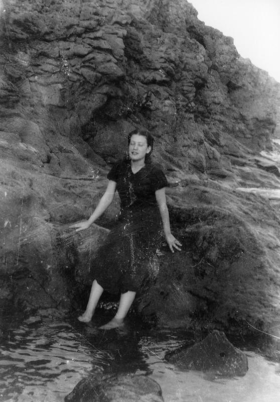 Muchacha en el Barranco de la Calera II