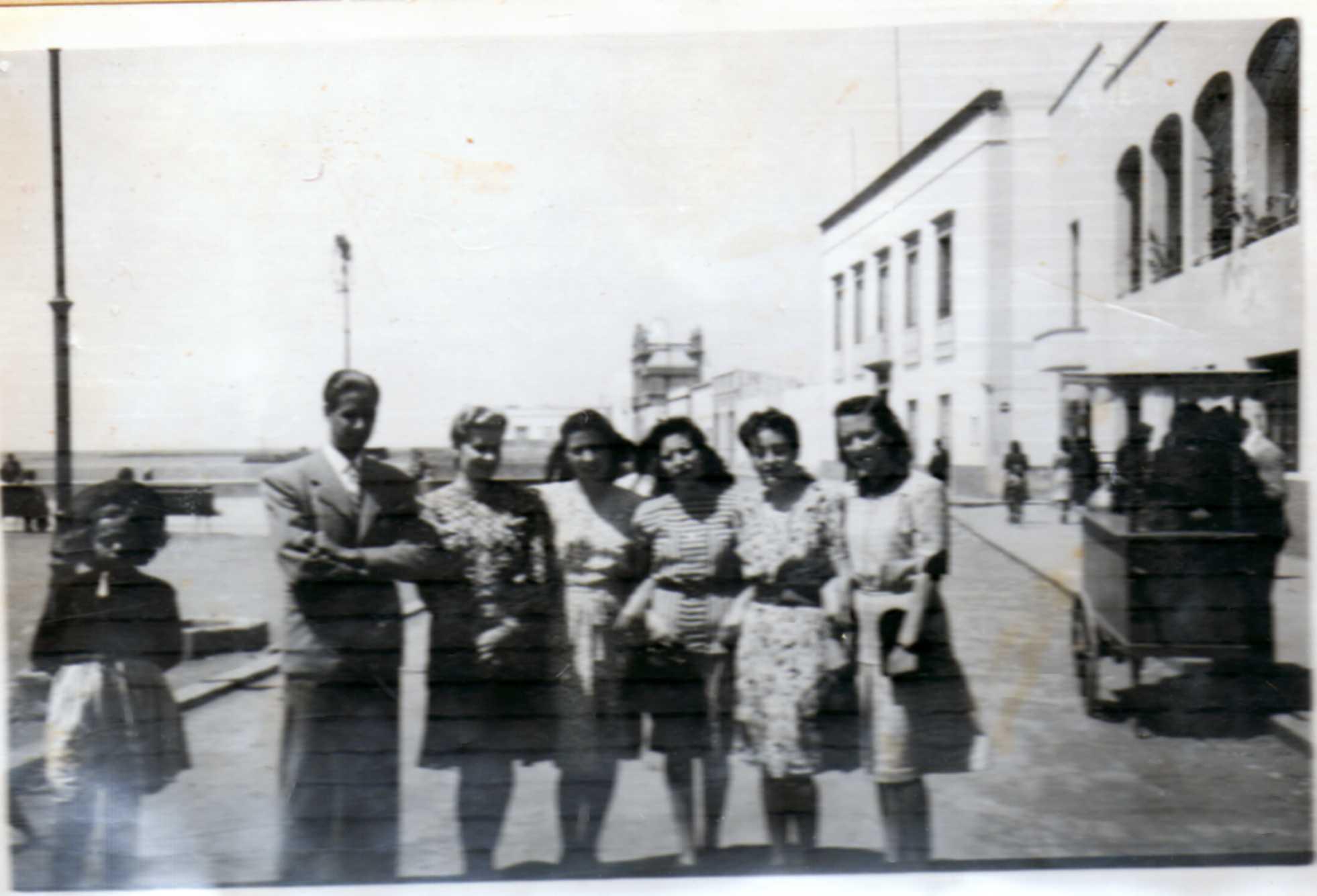 Jóvenes en La Marina