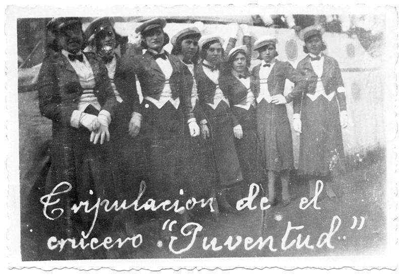 Tripulación del crucero 'Juventud' en Carnaval
