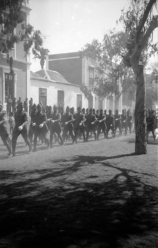 Desfile militar en Haría I