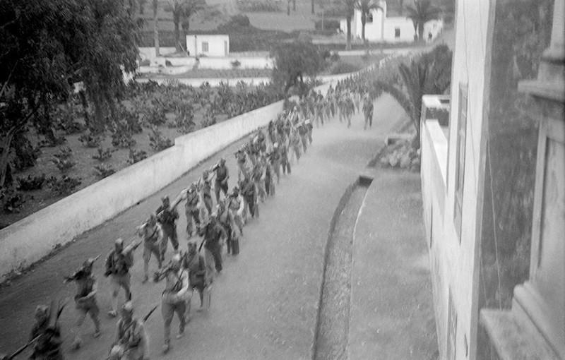 Desfile militar en Haría II