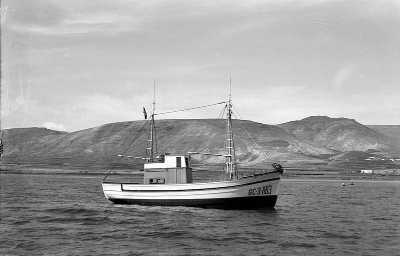 Barco en la zona de Arrieta II