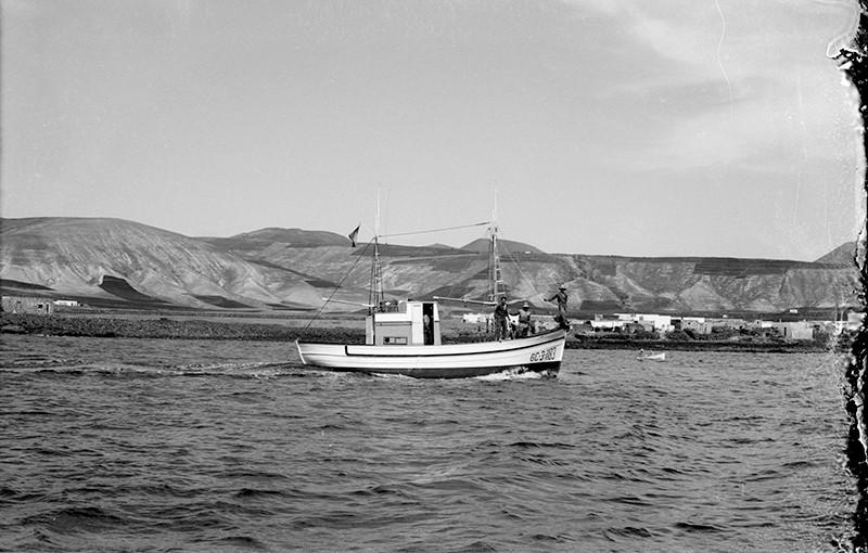 Barco en la zona de Arrieta III
