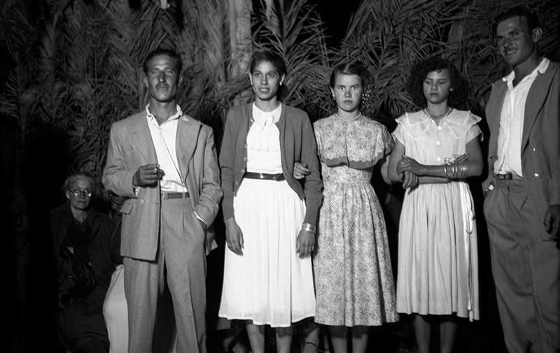 Jóvenes en los bailes de Haría