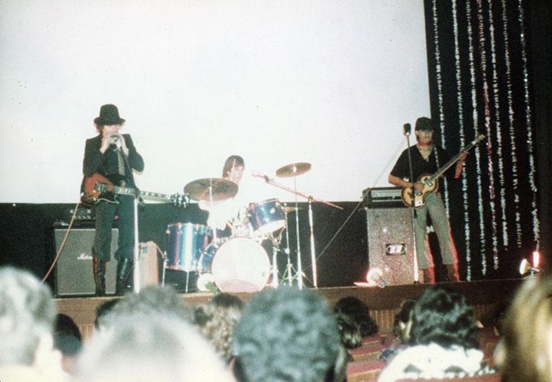 """Concierto de """"Rubicón"""" en el Instituto Blas Cabrera III"""