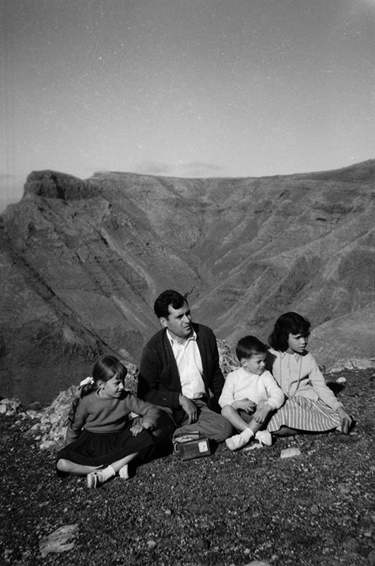 Familia en la ermita de Las Nieves III