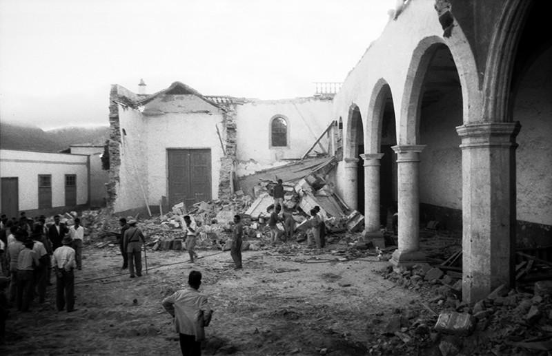 Derribo de la antigua iglesia de Haría V
