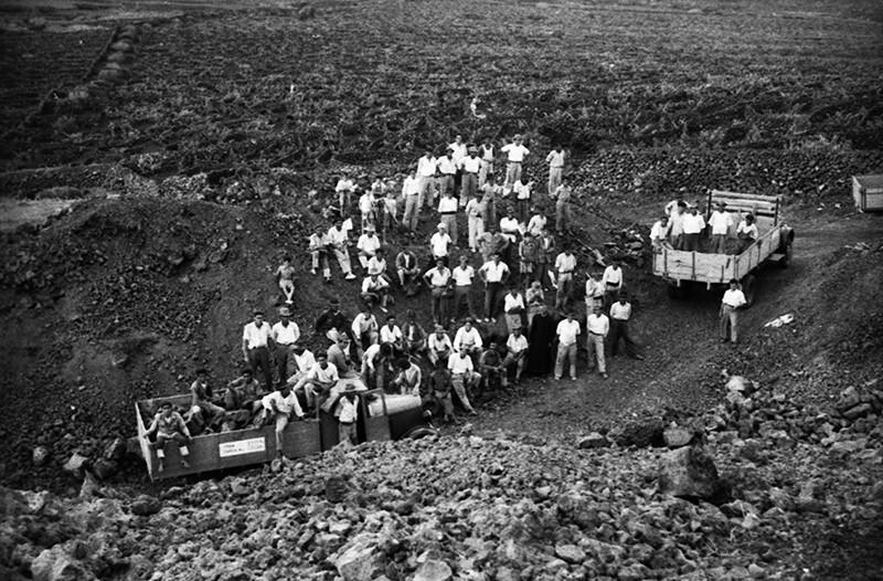 Peonada para recoger piedra para la ermita de Ye VI