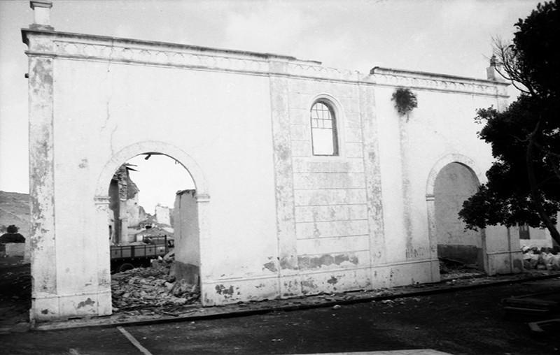 Derribo de la antigua iglesia de Haría X