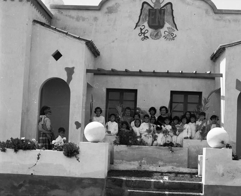 Niñas en la escuela de Ye