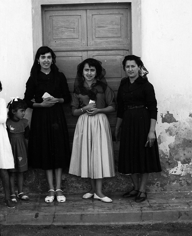 Mujeres que van a misa