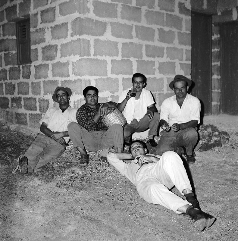Amigos de fiesta en Máguez I