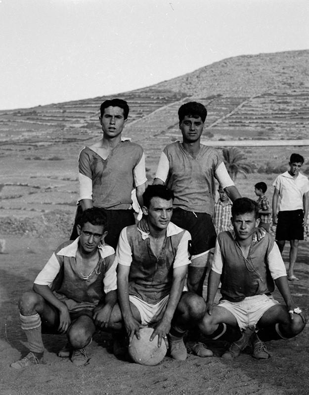 Jóvenes futbolistas