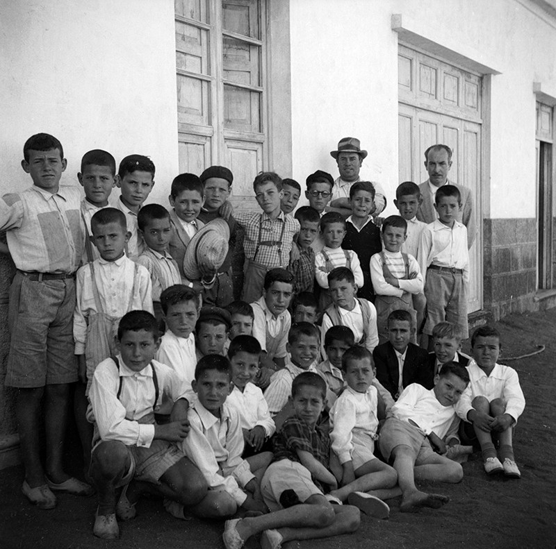 Niños en la plaza de Máguez