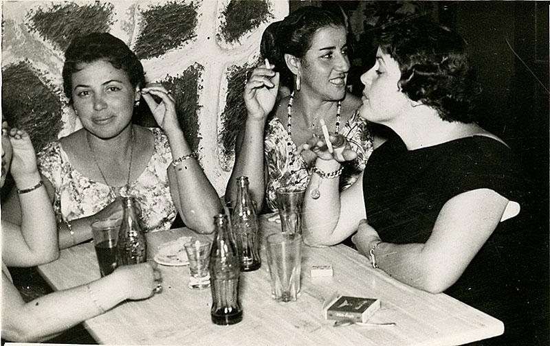 Juana Manrique y sus amigas