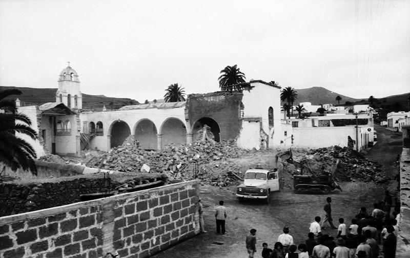 Derribo de la antigua iglesia de Haría XXV