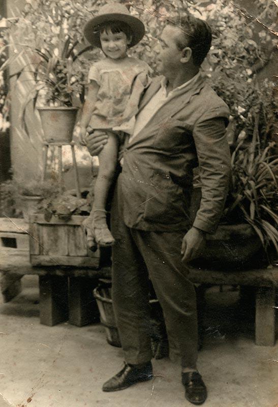 Manuel Rosa con su sobrina