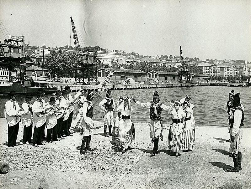 Agrupación Ajei en Santander II