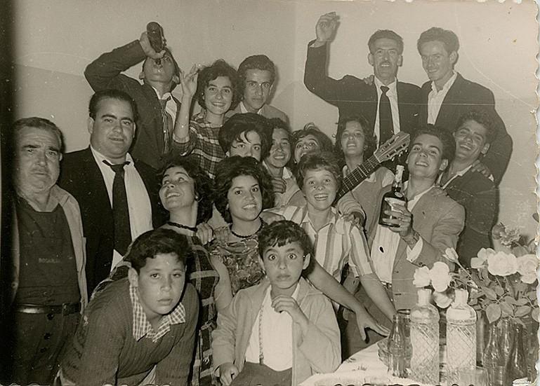Amigos de celebración de boda III