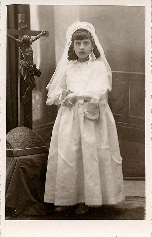 Juana Medina en su Primera Comunión