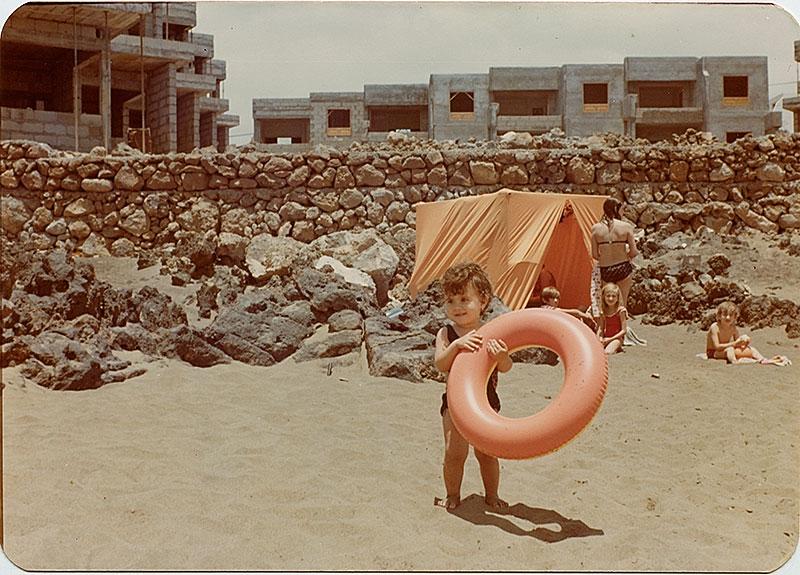 En la playa de La Peñita