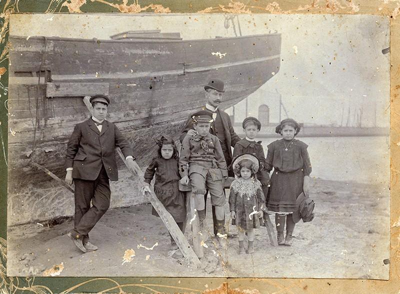 Familia en la marina