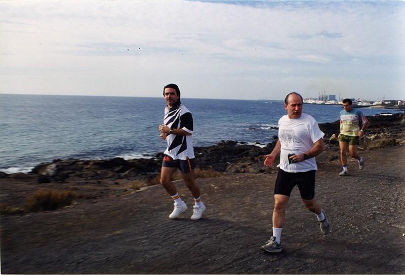 Aznar y Rato haciendo deporte en Lanzarote