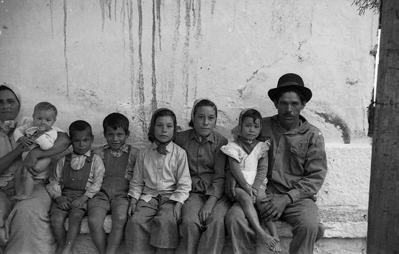 Medianero de Alegranza y su familia