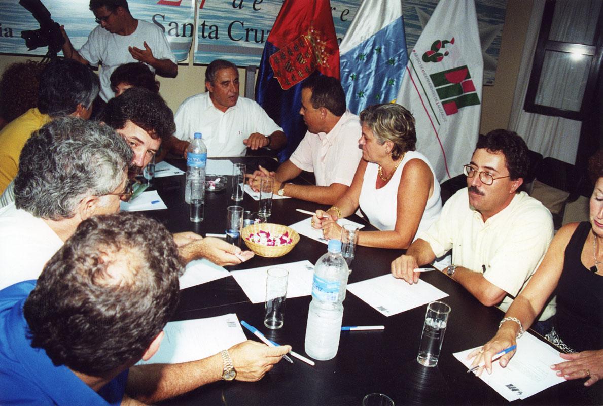 Reunión de cargos públicos del PIL I
