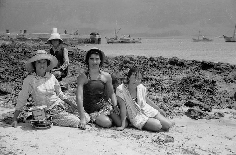 Mujeres en Caleta de Sebo