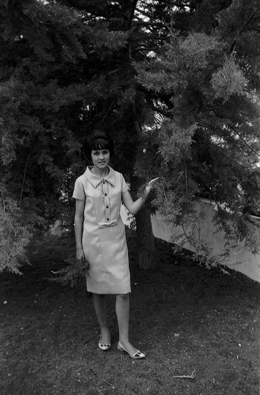 Chica joven en Villa Dolores III