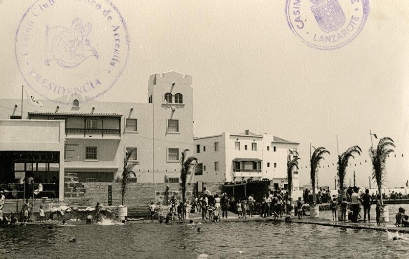 Inauguración de la piscina del Casino Club Náutico XI