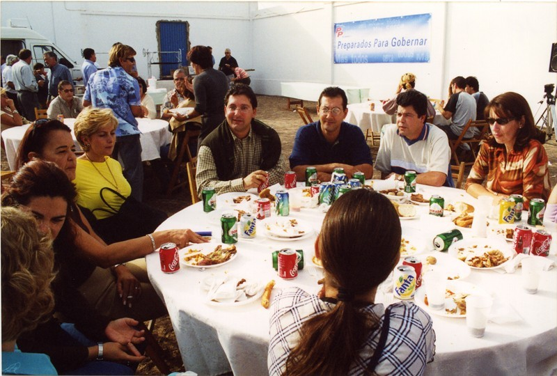 Almuerzo de confraternización del PP I
