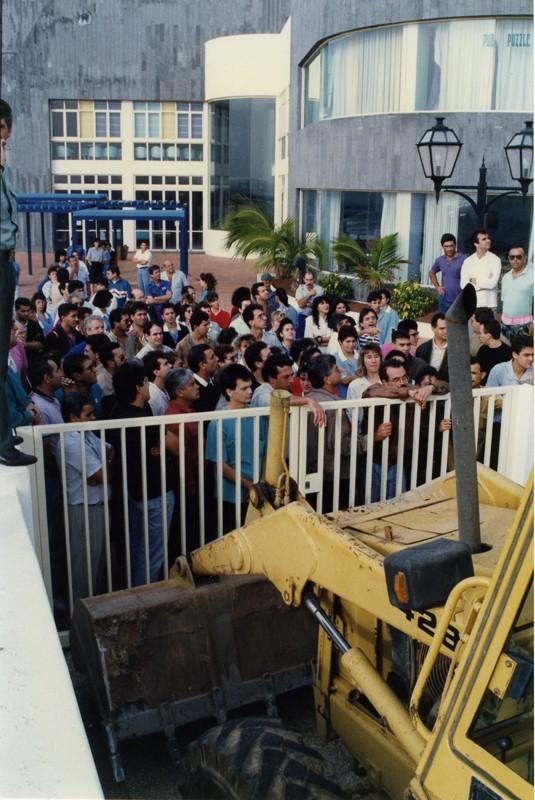 Manifestación en el Apartahotel Fariones II