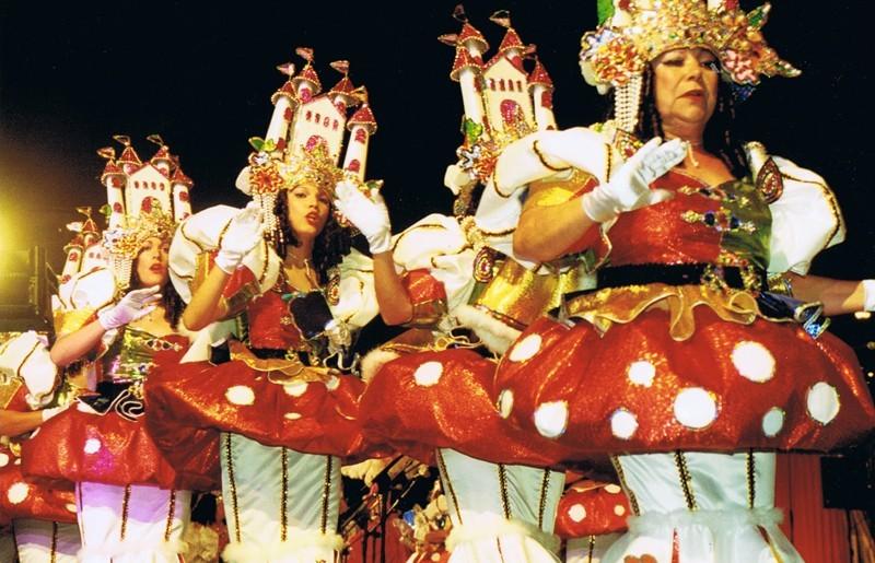 Murga 'Afilarmónica Las Revoltosas' V