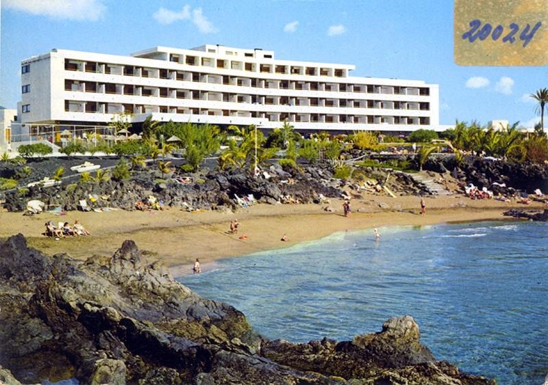 Postal del hotel Fariones