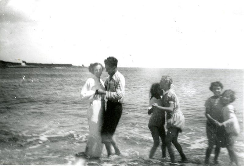 Bailando en la orilla