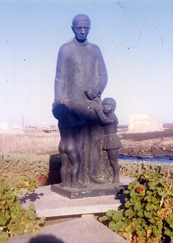 Estatua de José Molina Orosa